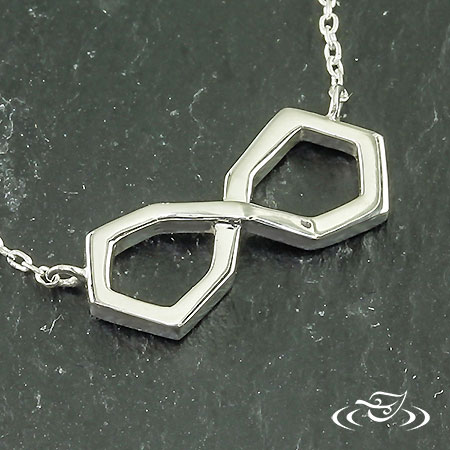 SILVER GEOMETRIC FIGURE 8 ON SILVER CHAIN