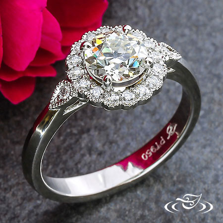 CUSTOM PLATINUM DIAMOND SCALLOP RING