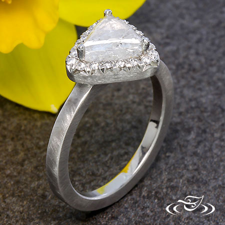 FRENCH SET HALO WITH ROUGH DIAMOND