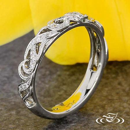PIERCED DIAMOND SCROLL WEDDING BAND