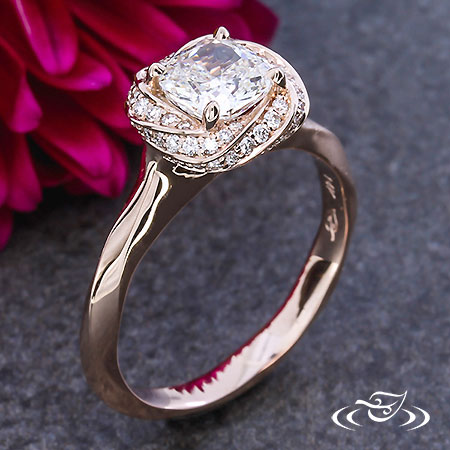 ROSE GOLD TWIST HALO ENGAGEMENT RING