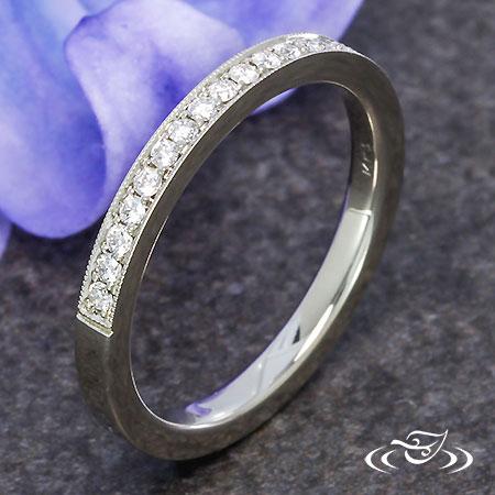 BEAD SET DIAMOND WEDDING BAND