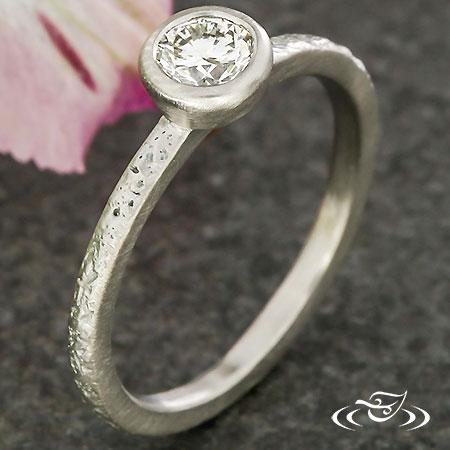 STACKABLE  PALLADIUM DIAMOND RING