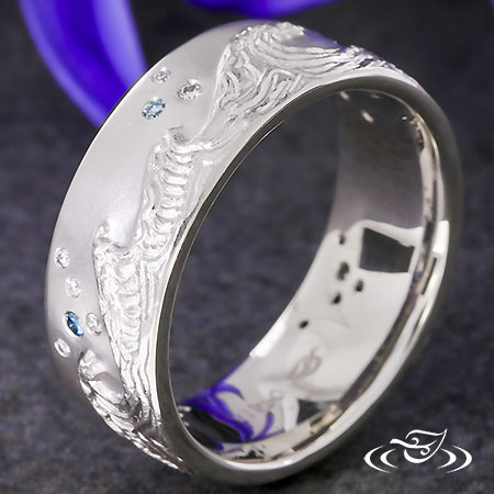 WAVE & SCATTER DIAMOND BAND