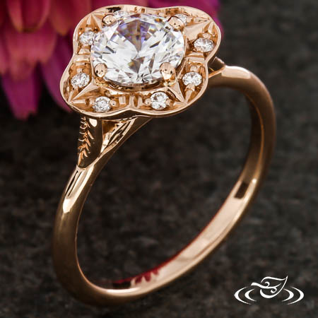 UNIQUE ROSE GOLD SCALLOPED HALO