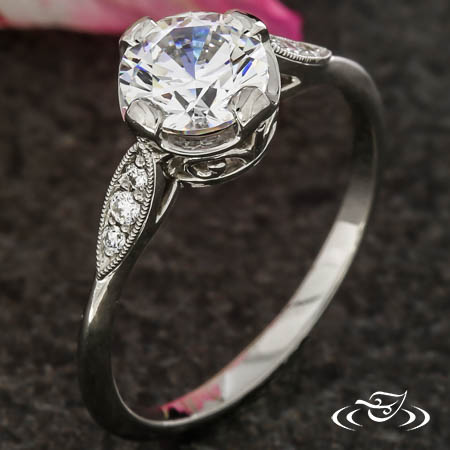 ANTIQUE INSPIRED DELICATE SOLITAIRE