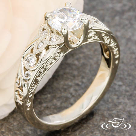 TRINITY KNOT FILIGREE RING