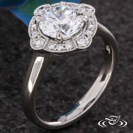 SCALLOPED DIAMOND HALO