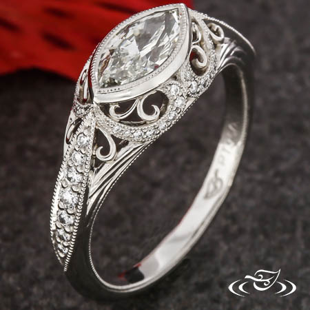 Marquise Vintage-Inspired Ring