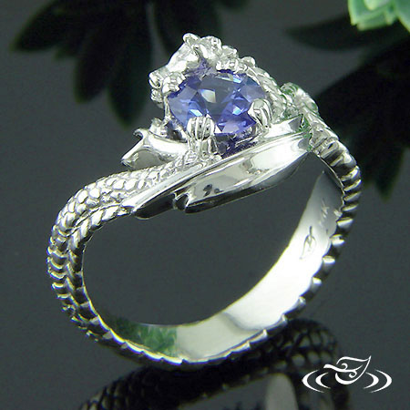 14K WHITE GOLD CARVED DRAGON SAPPHIRE RING