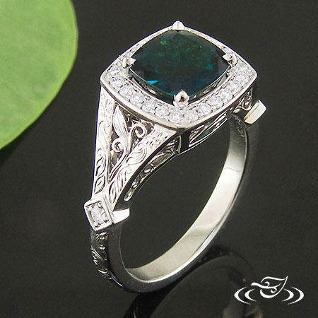 HALO AND EMERALD MOUNTING WITH FILIGREE