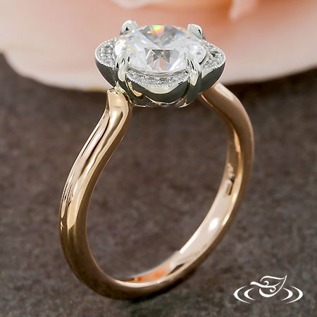 BEAUTIFUL SCALLOPED HALO ENGAGEMENT RING