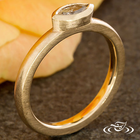 RINGHAMMER STACKABLE DIAMOND RING