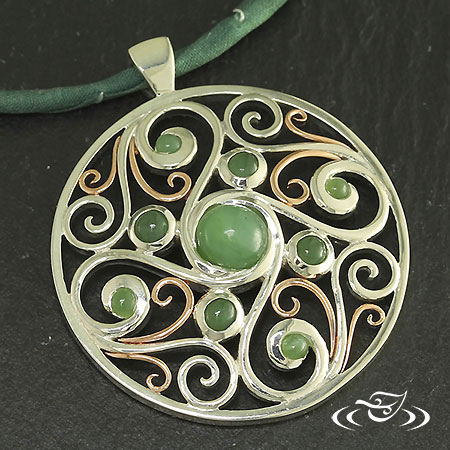 FILIGREE AND JADE PENDANT