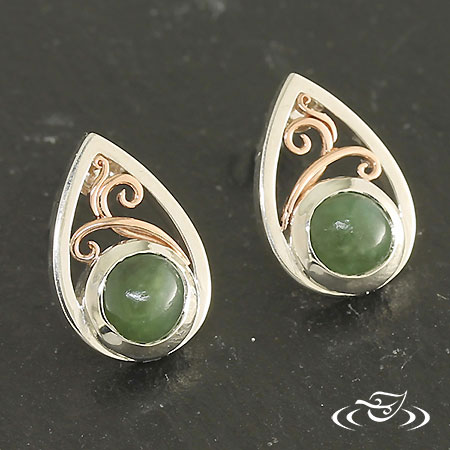 DROP EARRINGS WITH FILIGREE AND JADE